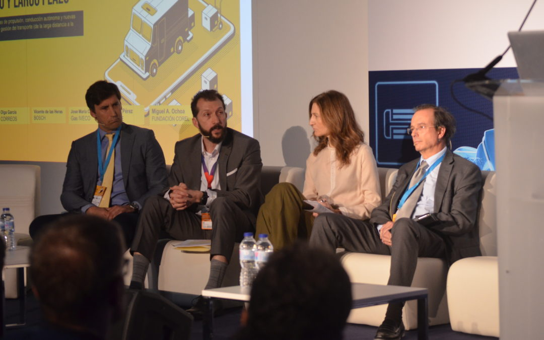 """Mesa Redonda: """"Desafíos de futuro del taller de Vehículo Industrial: energías alternativas, conducción autónoma y nuevas tecnologías"""""""
