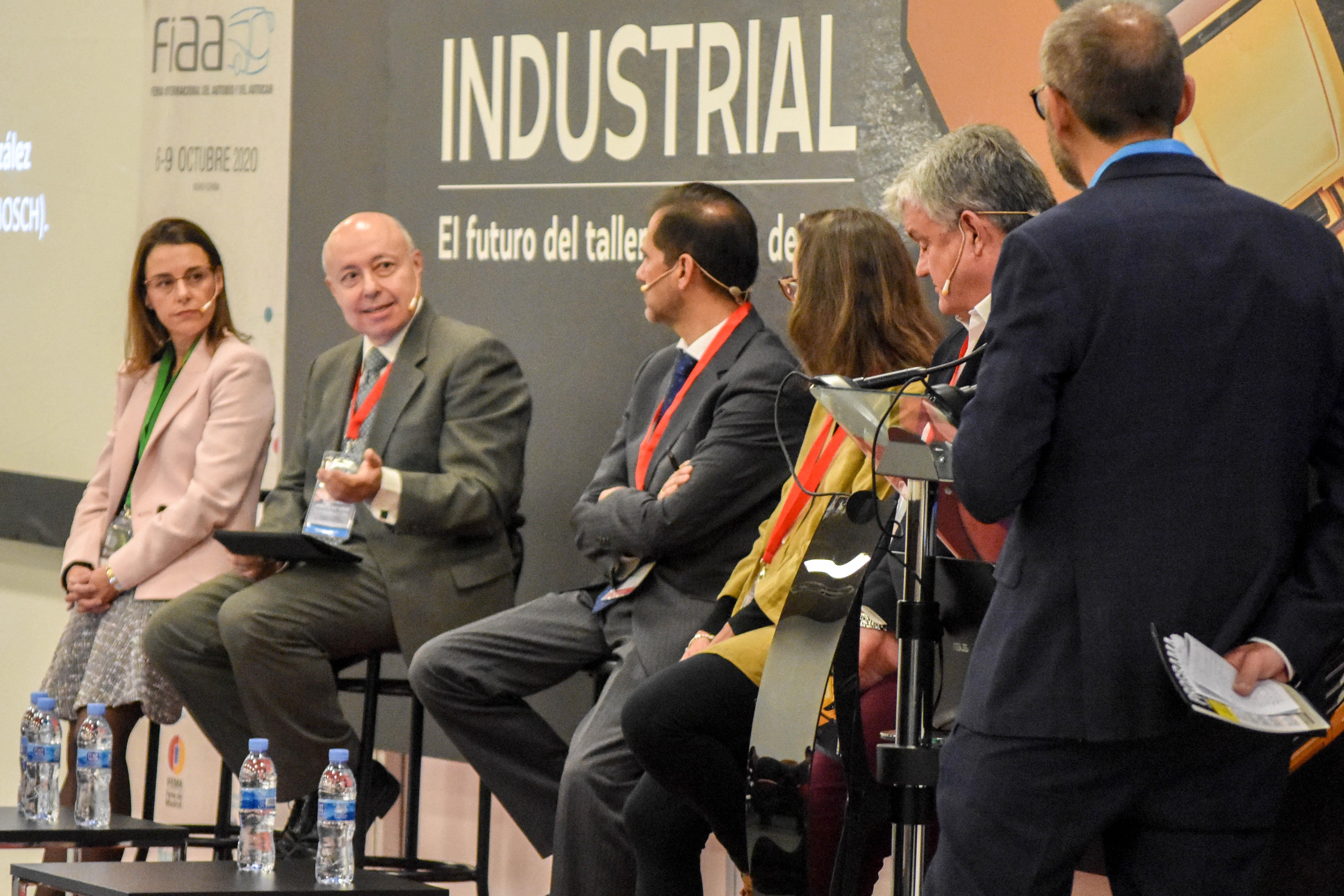 Mesa Redonda: «El presente y futuro de la posventa del V.I. en España. Diagnóstico de situación y retos a abordar»