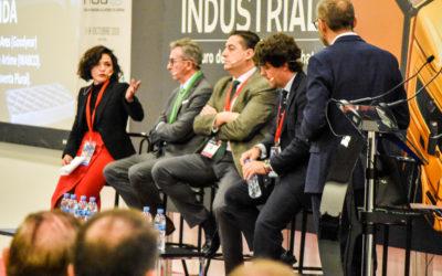Mesa de Debate: «¿Cómo se construye una marca valiosa de recambio o equipamiento para V.I.? ¿Remunera el taller ese valor?» Con Jorge Artime (Wabco), Héctor Ares (Goodyear), Roberto Aldea (Grupo Cartés) y Cristina Pedreño (Grupo Pedreño)